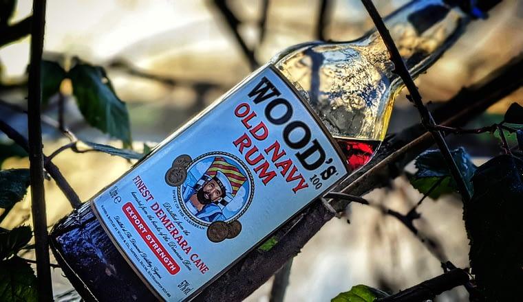 recenze woods navy rum
