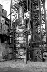 Caroni destilační zařízení